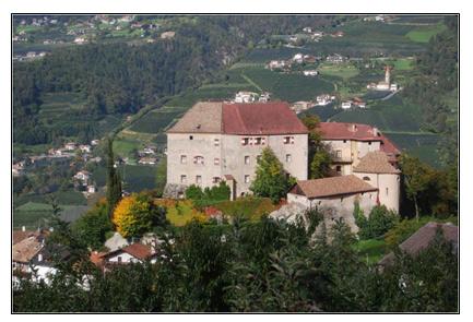 Segreti e storia di Castel Scena